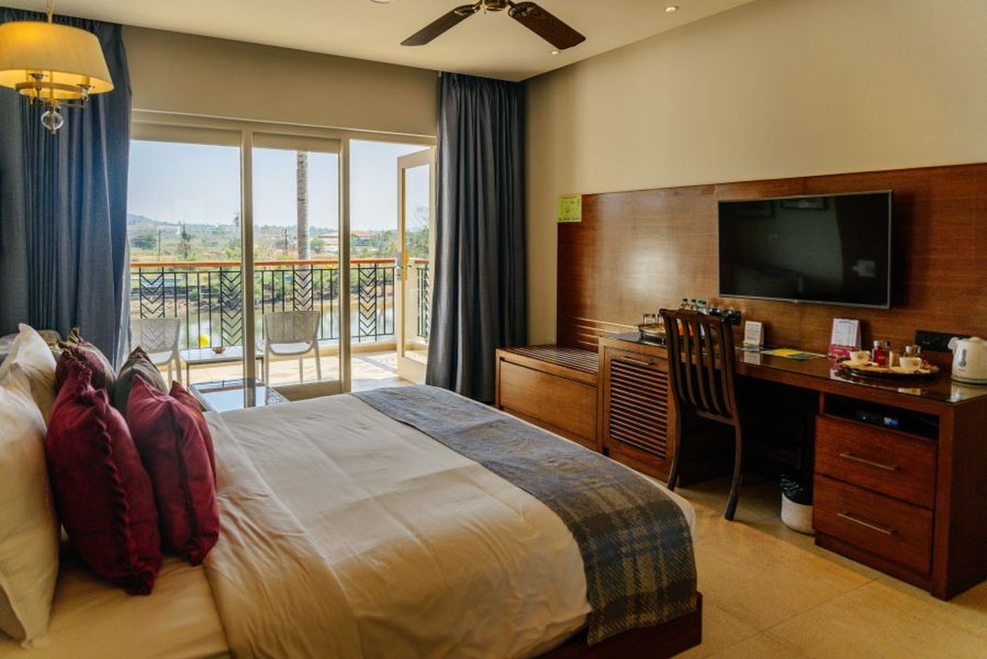 acron waterfront rooms